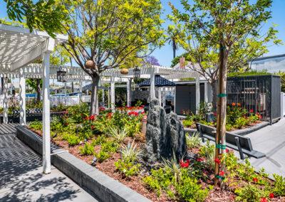 Garden and seating area Alcott Rehabilitation