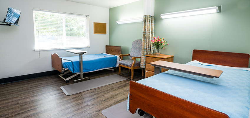 Semi-private room accommodations