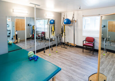 The Applewood Post-Acute facility rehab gym