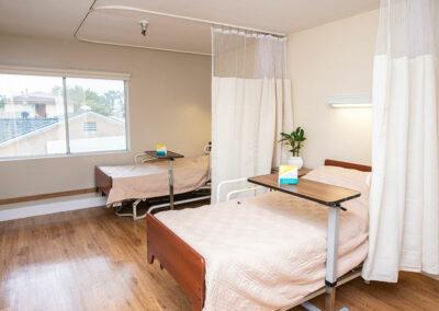 Del Mar semi-private bedroom