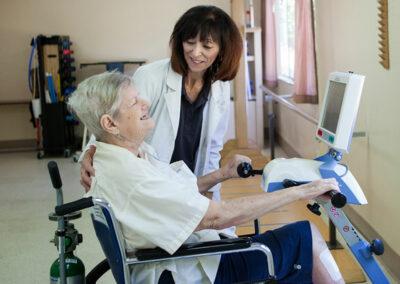 Garden Park rehab therapist and elderly resident