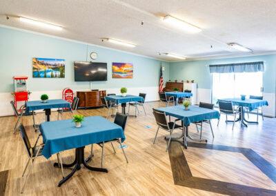 Paramount Convalescent dining room